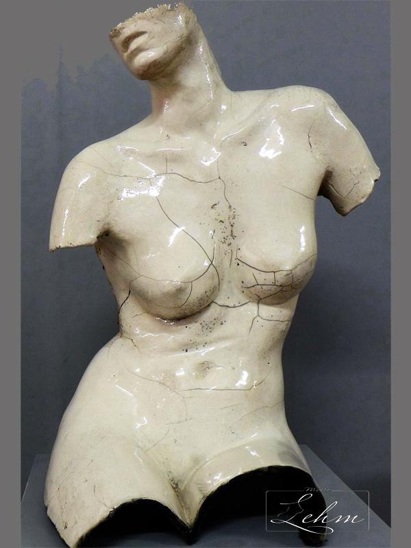 Lauren corps malte lehm artiste sculpteur